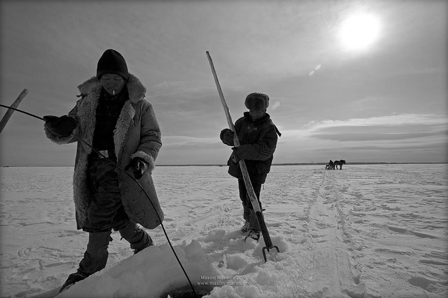Подлёдный лов на Байкале