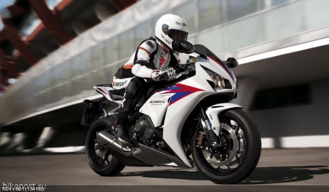 Новый мотоцикл Honda CBR1000RR Fireblade 2012