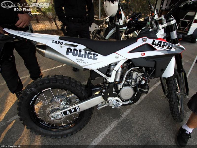 Полицейский мотоцикл Husqvarna TE310 2012