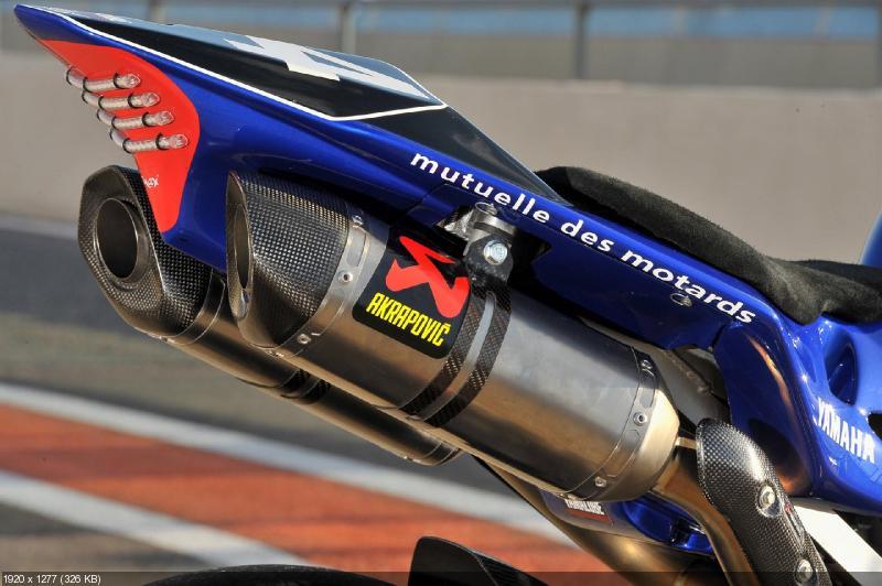 Гоночный мотоцикл Yamaha YZF-R1 команды Yamaha France WEC